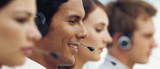 Lịch sự với khách hàng là một yếu tố phải có để thành công khi tiếp thị qua điện thoại
