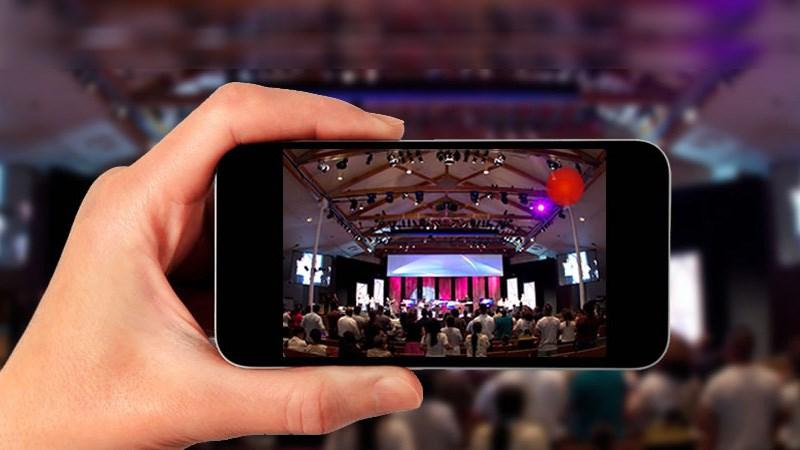 livestream là gì? tại sao thương hiệu nên sử dụng truyền thông livestream?